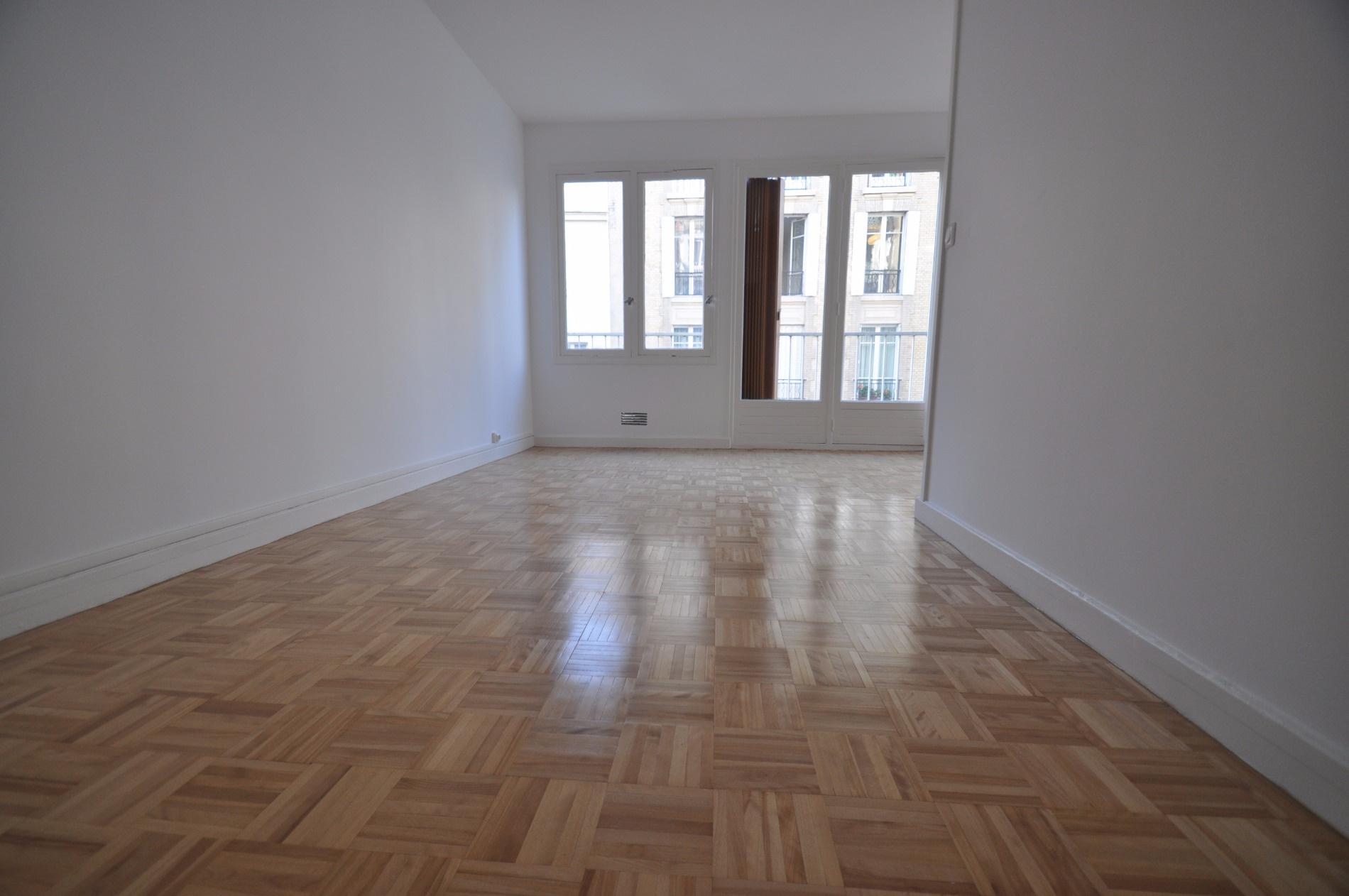 Offres de location Studio Paris (75015)